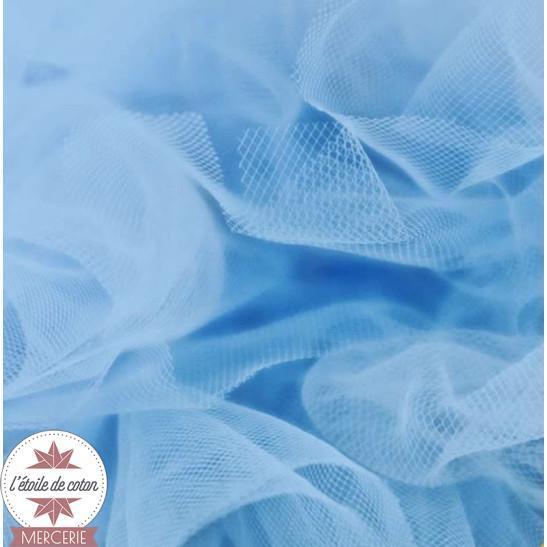 Tulle bleu clair