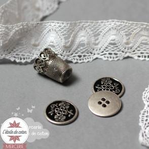 Bouton métal émaillé noir