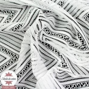 Tissu dentelle chevron blanc