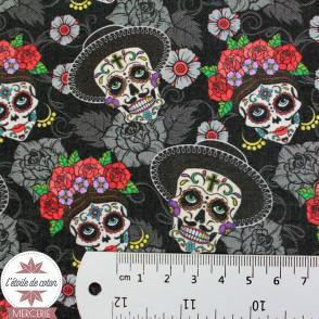 Tissu coton Tête de mort, fleurs et cactus