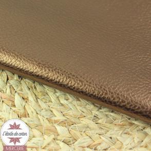 Simili cuir fin beige nacré - coupon 50 x 70 cm