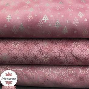 "Popeline de coton ""Christmas is Near"" - sapins rose/argent"